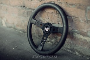 porsche-magnus-walker-momo-steering-wheel-black-leather